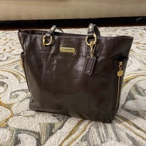 💕 Coach chocolate brown large patent leather tote